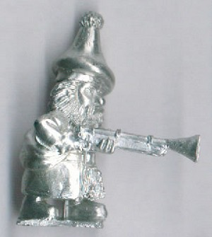 Scottish Highland Gnome with Blunderbuss Advancing (1)