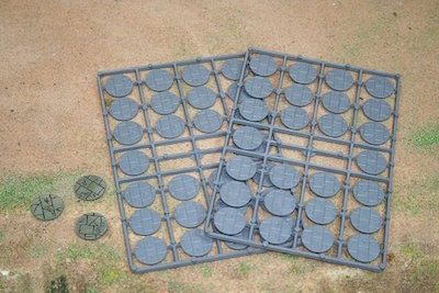 25DIAPAVED - 25mm Paved Effect Bases (Hard Plastic)